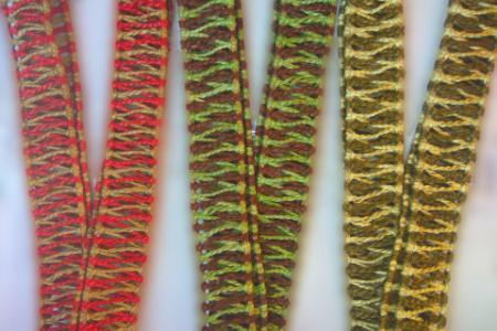 Bicolored rope trims for tongue drums